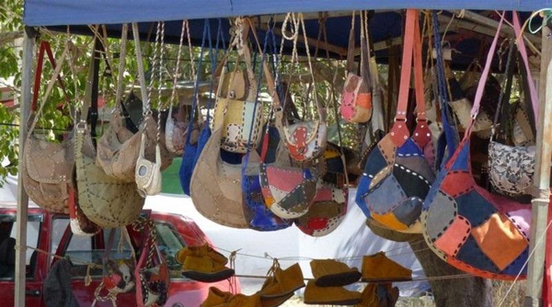 chapada-dos-veadeiros-vila de são jorge-feirinha-lojinha